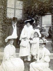 19a-MB-Grandpa-Eagles-Little-Grannie-RMO-Gladys-Dorothy-Aunt-MarianneComp.jpg