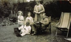 June 1933: The Herberts - Anne, Dorothy, Ralph & Margaret with Mildred & Cyril Hooke, Bradford.